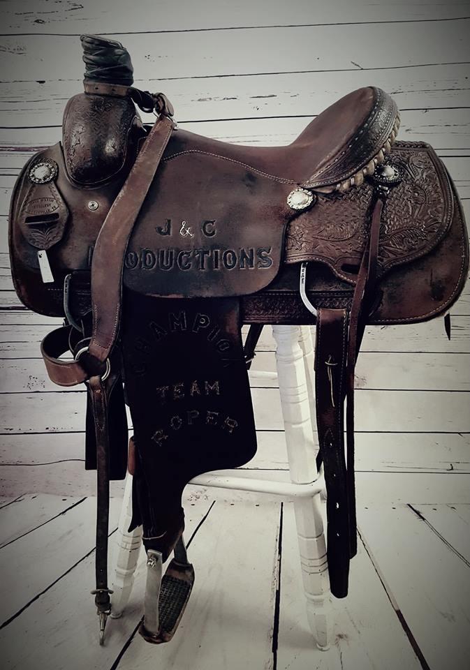 Trophy Saddle